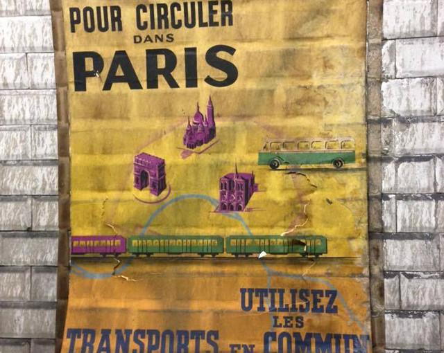 Superbes affiches retrouvées dans le metro de Paris